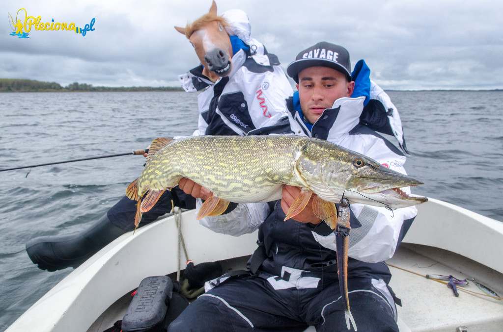 Monster pike na monster sluga